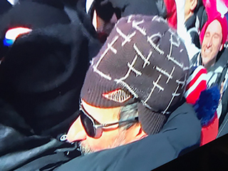 Red Gerard's dad spotted wearing a Browns hat