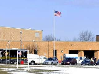 Chardon administrators not liable in shooting