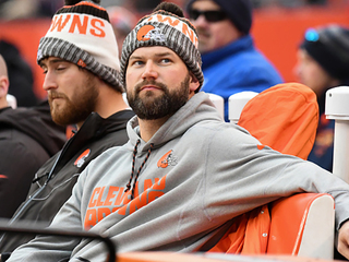 Joe Thomas is recruiting Kirk Cousins right now