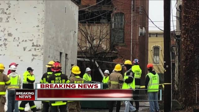 Medina Square businesses closed after building partially collapses