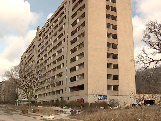 East Cleveland Residents Fed Up With Hazardous Abandonded Apartment Complex