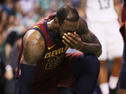 LeBron goes to locker room after shot to jaw