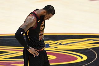 Photos: Do or die in Game 4 of Finals