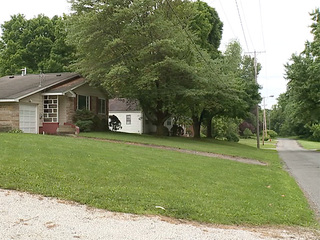 Neighbors fighting proposed cell tower in Kent