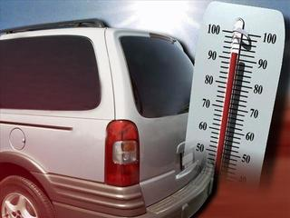 Mom warns parents after baby dies in hot car