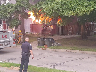 2 suspicious fires in 2 nights on Akron street