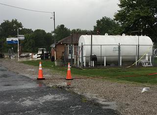 Ruptured pipe causes gas leak in Vermilion River