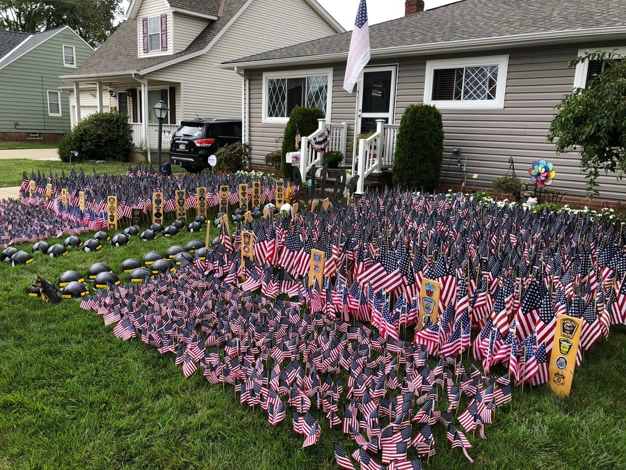 Local patriots commemorate 9/11 with thousands of flags ...