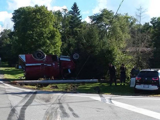 4 people hospitalized after three-car wreck