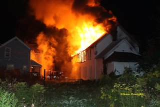 Abandoned building goes up in flames in Lorain
