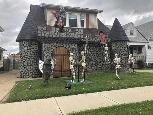 This Halloween House In Parma Is A Freaking Castle Source Justine Gentile