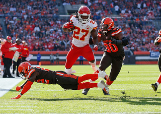 Photos: Kansas City Chiefs defeat Browns, 37-21