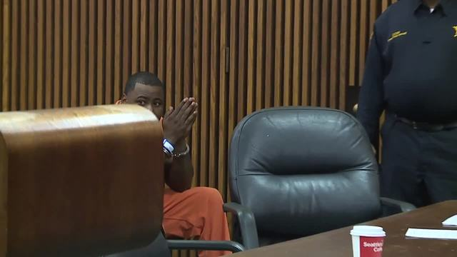 Man accused of shooting Cleveland police officer pleads ...